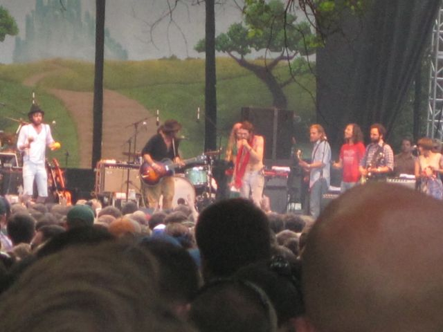 edward sharpe Festival Review: Lollapalooza 2010, Grant Park, August 7   Day 2