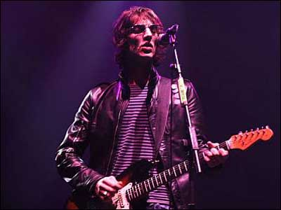 richard ashcroft 02 400x300 Flying Solo: Richard Ashcroft, The Verve